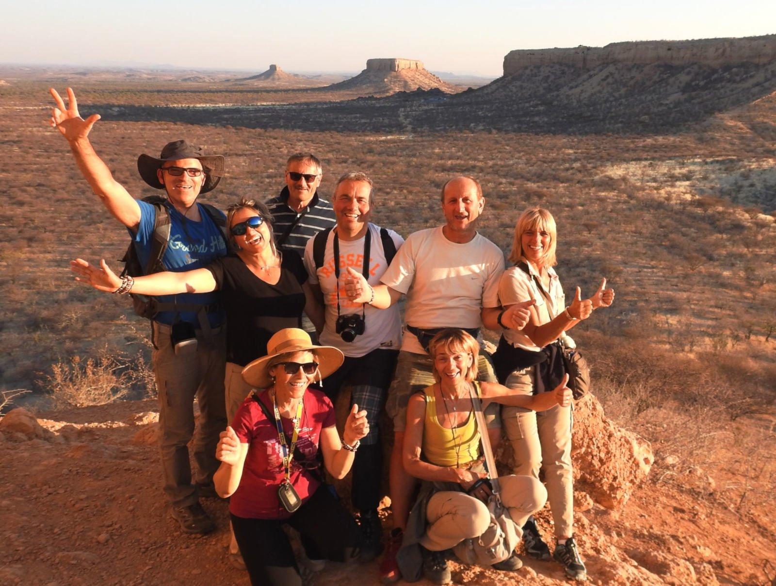 Namibia in compagnia Gruppo felice di persone che viaggiano